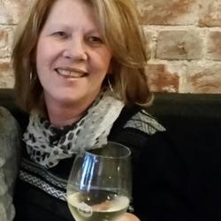 Belinda - Aussiesocial.com Member