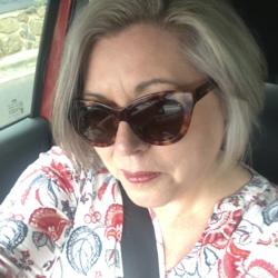 Deb - Aussiesocial.com Member