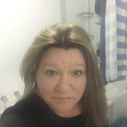 Deborah - Urbansocial.com Australia Member