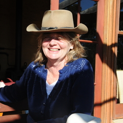 Elizabeth - Aussiesocial.com Member