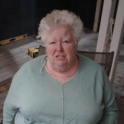 Gweneth - Urbansocial.com Member