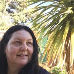 Janine - Urbansocial.com Member