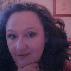 Louise - Aussiesocial.com Member