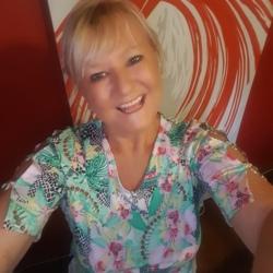 Robyn - Urbansocial.com Member