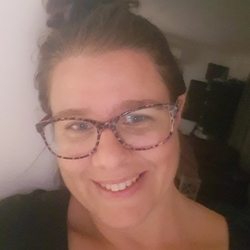 Ruth - Urbansocial.com Member