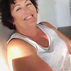 Shirley - Urbansocial.com AU Member