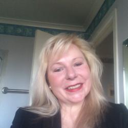 Suzanne - Aussiesocial.com Member