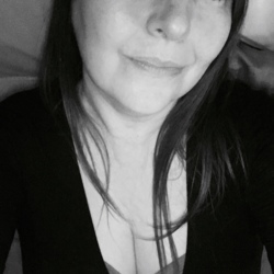 Tina - Urbansocial.com Member