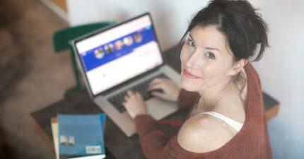 woman writing perfect dating profile